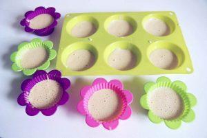 Bezglutenowe muffinki z truskawkami i kruszonką