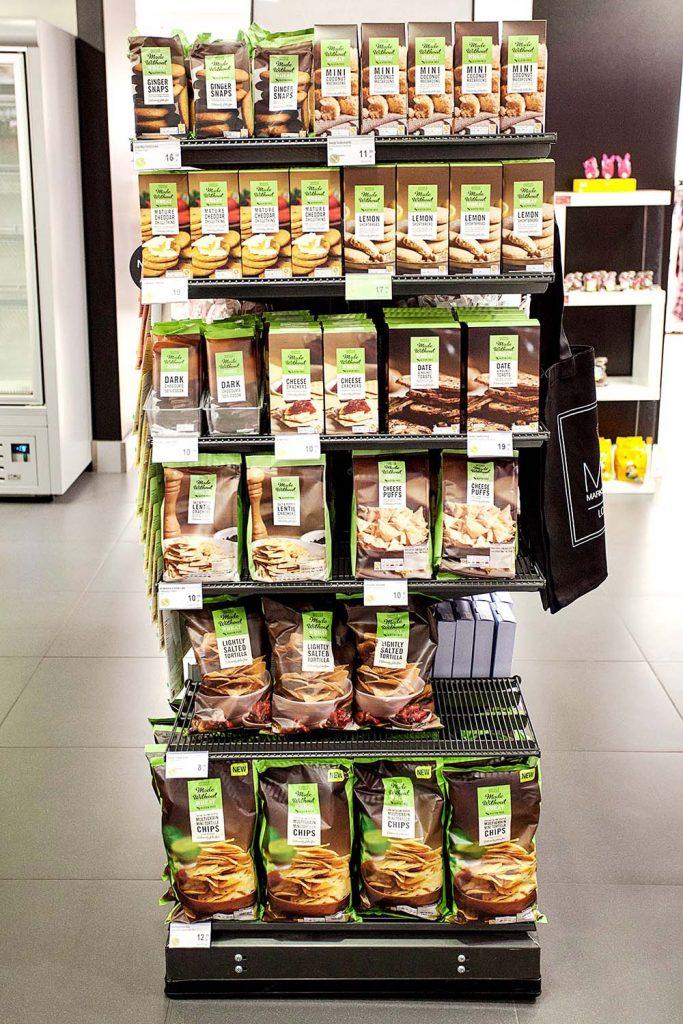 Półka z produktami bezglutenowymi w sklepie Marks&Spencer